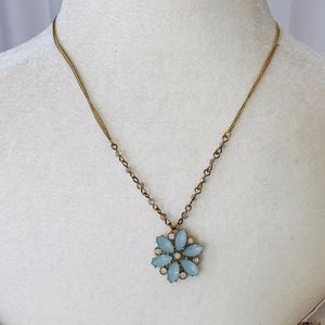 🖤 Lauren Conrad Gold Seafoam Flower Necklace